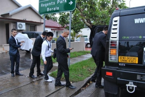 boys-getting-into-stretch-hummer-for-year-12-formal