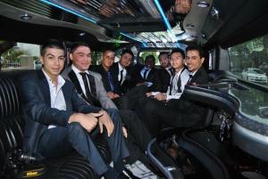 holroyd-high-school-boys-in-stretch-hummer-for-year-12-formal