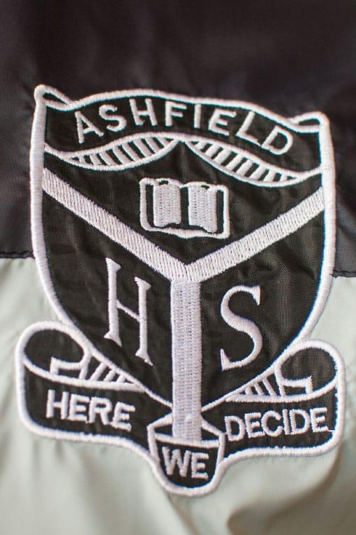 Logo embroidery windbreaker jacket