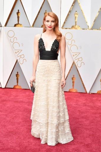 Emma Roberts 2017 oscars dress